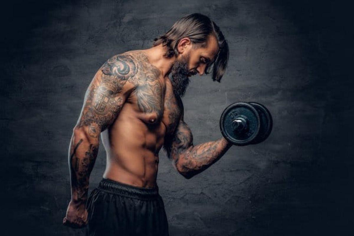 trening med ny tatovering