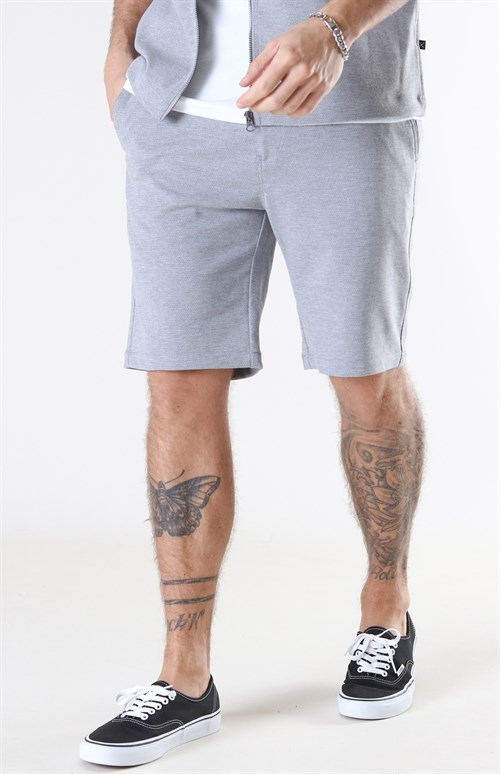 Dette bildet mangler alt-tekst; dets filnavn er stretch-shorts-for-menn-grå.jpg