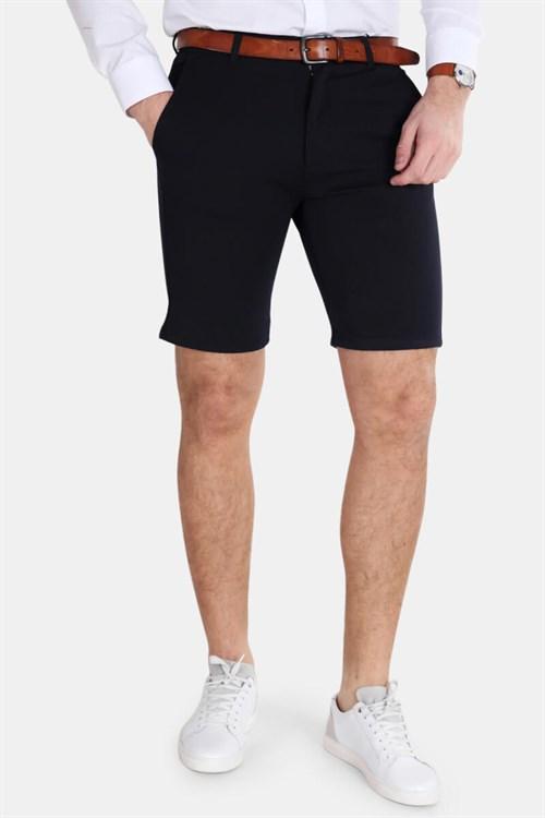 Dette bildet mangler alt-tekst; dets filnavn er stretch-shorts-for-menn-med-belte.jpg